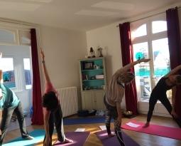Pratique de yoga pour pratiquants intermédiaires et confirmés